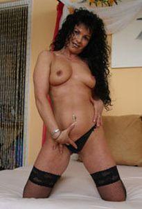 Diese reife Dame sucht Erotikkontakt!